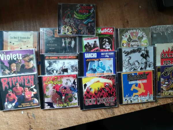 CD package #8 16 x CD NEW!